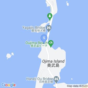 屋我地大橋とその脇の海の地図