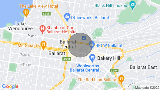 Apartment in the Heart of the Cbd. Sleeps 6 Map