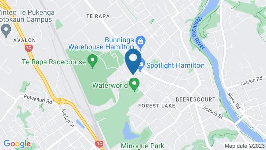 Distinction Hamilton Hotel & Conference Centre Map