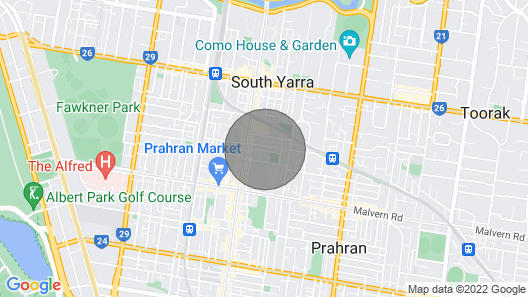 Luxe Melbourne - Walk to Fashion, Bars & Best Eats Map