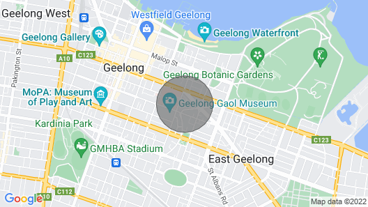 Walking distance to the waterfront, Geelong Hospital, Deakin University and the CBD! Map
