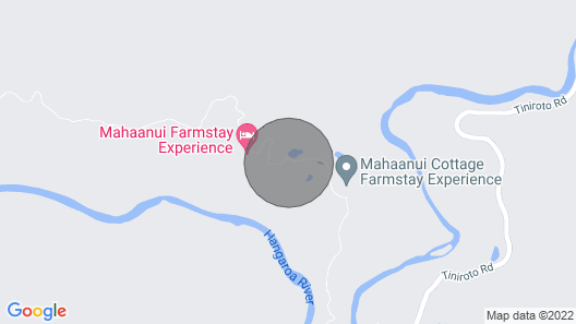 Simple relaxed accomodation option for family, friend groups or travellers. Map