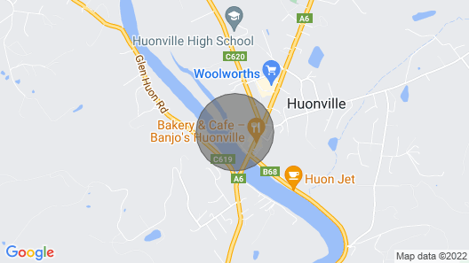 On the Banks of the Huon River, in the Heart of Huonvalley Map