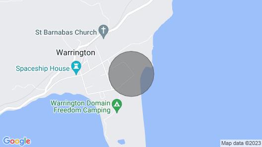 Sea & beach views with safe swimming 15 min north of Dunedin. Map
