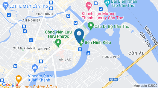 Henry & Iris Hotel Map