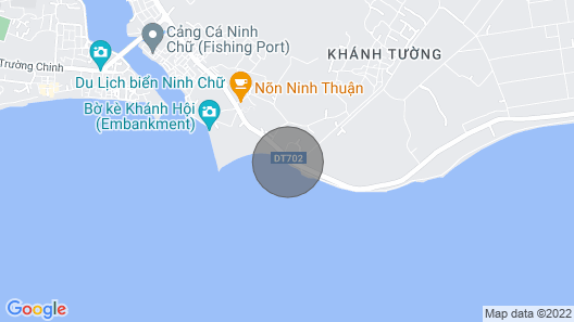 Exclusive Oceanfront Bungalow with infinity swimming pool Map