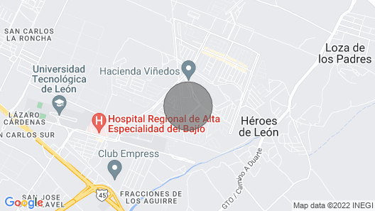 Casa en fracc.Privado Zona Sur/a 15min de Pto Interior (8 personas) Map