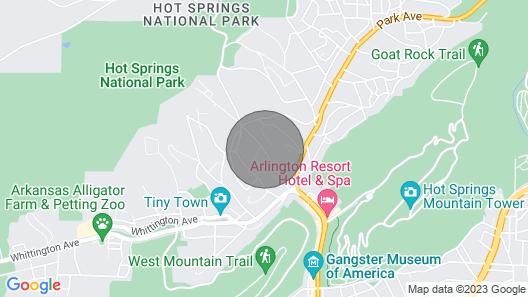 Mountain Bungalow-Walk to Downtown/Biker's Dream! Map