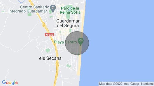 Comfortable apartment , 40 m from the beach, children and pets welcome Map
