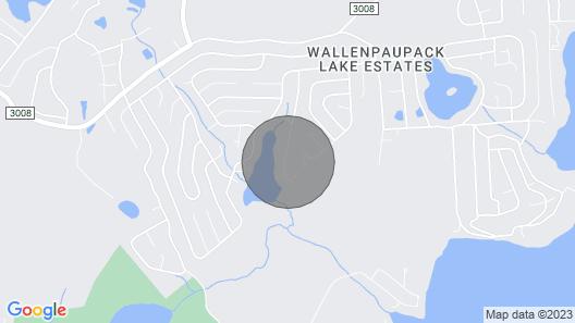 Mid-Century Cabin w/ Resort Amenities on Lake! Map