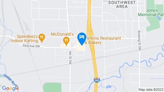 Holiday Inn Express & Suites - Interstate 380 at 33rd Avenue, an IHG Hotel Map