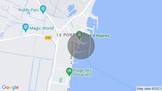Nuit sur un Voilier à Hyères Map