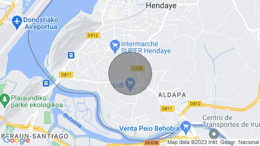 Spacious Apartment Near Border Map
