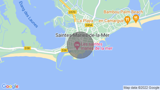 SMALL HOLIDAY HOUSE IN THE CAMARGUE SAINTES MARIES DE LA MER Map