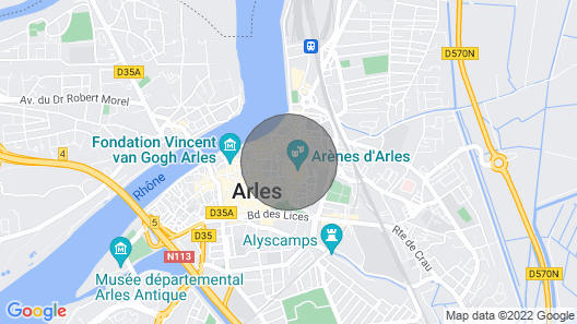 Unique Luxury Rental in Arles & Parking Map
