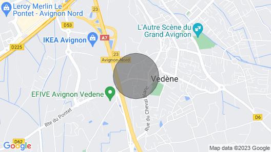 Villa With Pool Near Avignon Map
