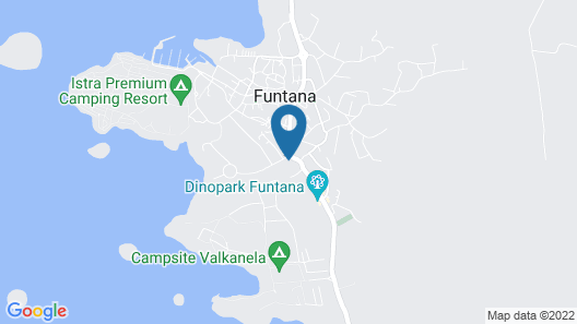 Modern Holiday House Favola in Funtana for 7 Persons, Near the Beach Map