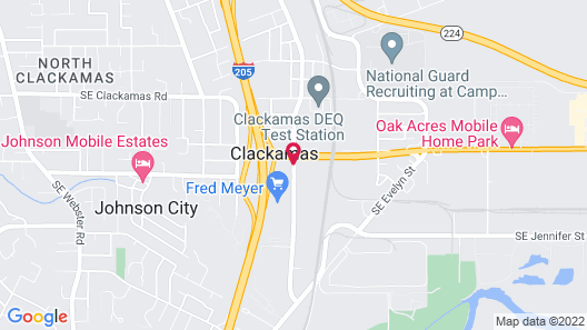 Clackamas Inn & Suites Map