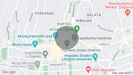 Friendly Place for 5 - 9 People in the Center of old Town Map