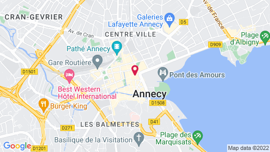Vegetal Cocoon in the Heart of the City of Annecy Map