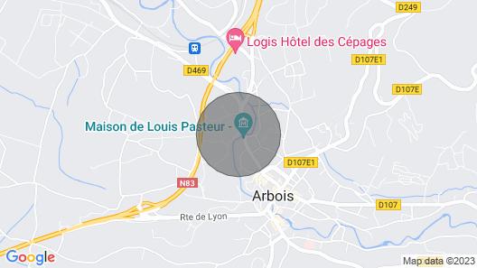 Caveau Contemporain au Coeur D'arbois Kv'o37 Map