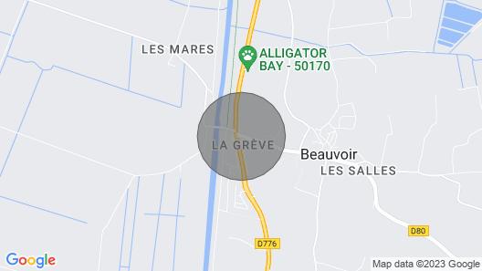Mont Saint Michel AT 2 Kilometers Map