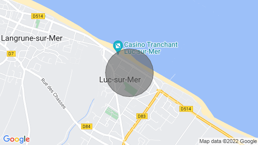 100 m from the beach in a pretty family seaside resort Map