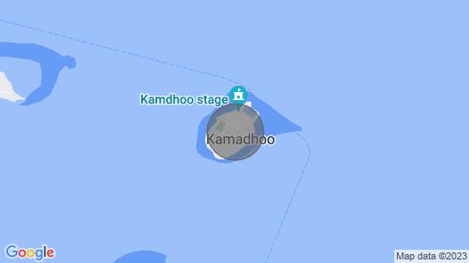 Tropischer Rückzugsort mit Pool auf dem Dach zu Fuß zum Strand Map