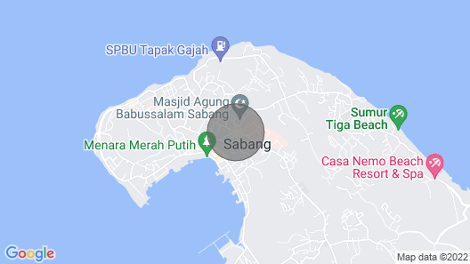 Olala Café & Bungalows has a Great Location, Right on the sea Map