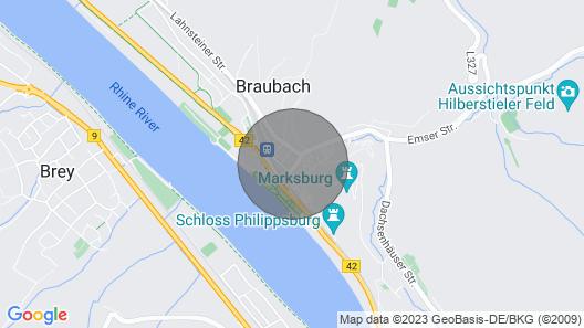 Urlaub mit dem Ausblick auf die Einzigartige Marksburg Map