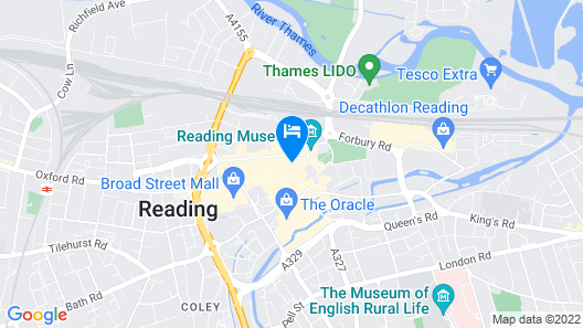 Modern Flat in the Heart of Reading Map