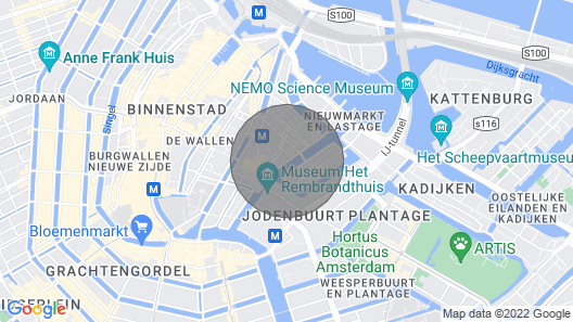 Luxury Houseboat in Amsterdam Center! Map