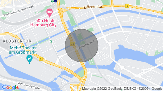 Luxury Houseboat Centrally in Hamburg With a Clear View Map