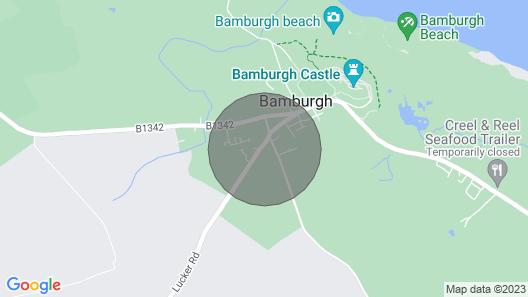 THE MAST HOUSE, Bamburgh - sleeps 8 with Wi-Fi & parking Map